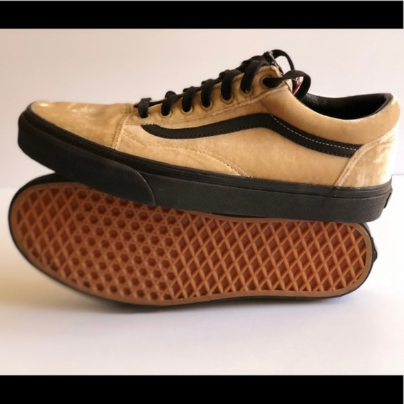 ab3a2a82a54277 Vans Classic Velvet Old Skool Tan Black